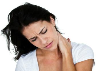 aanhoudende stijve nek